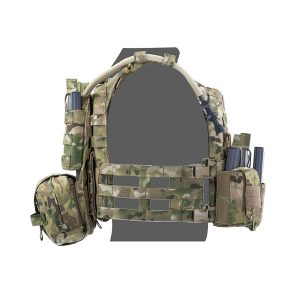 f3343dacb7145 ... Assaulters zadný diel s Med Pouch a 3x M4 mag ...